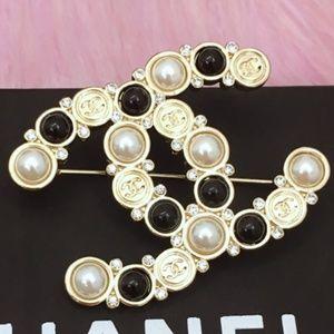 CHANEL Jewelry - Chanel CC Brooch